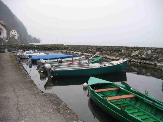 Le port des petites barques à Meillerie